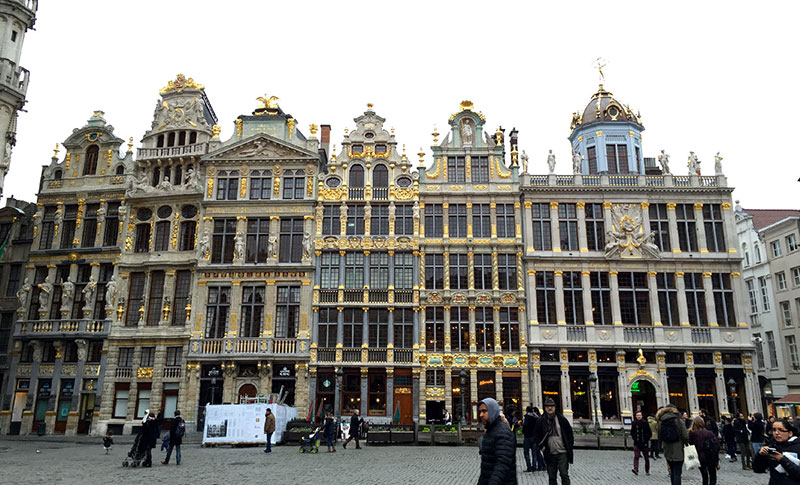 grand-place-bruxelle-belgique-life-is-a-voyage