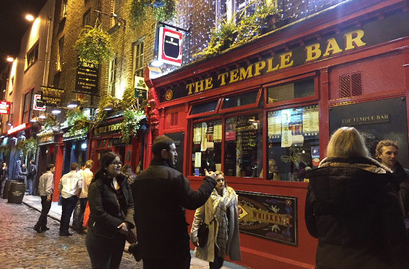 the temple bar dublin irlande life is a voyage